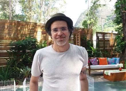Paulinho Moska admite que adoraria participar de uma novela: 'Me sentiria um rei'