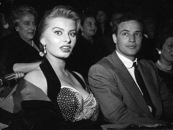 Marlon Brando e Sophia Loren (Foto: Getty Images)