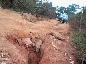 Segundo Dnit, o exército foi contratado para realizar obras de manutenção na rodovia. (Foto: Flávio Danys/VC no G1)