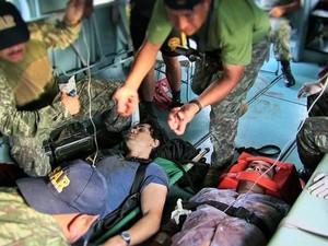 Brasileiro e o colega ficaram feridos na ação das Forças Armadas Peruanas (Foto: Divulgação/Comando Conjunto de las Fuerzas Armadas del Perú)