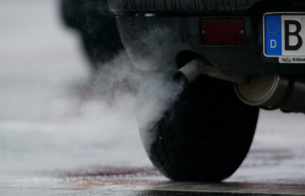 França quer banir vendas de carros movidos a combustível fóssil até 2040 (Foto: REUTERS/Tobias Schwarz)