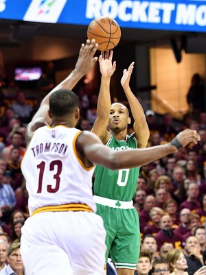 Avery Bradley foi o herói dos Celtics contra o Cleveland na NBA (Foto: Photo by Jason Miller/Getty Images)
