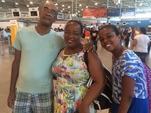 Ozonando e a família, em 1ª visita ao Rio, reclamaram de ausência de ar condicionado (Foto: Mariana Cardoso/G1)
