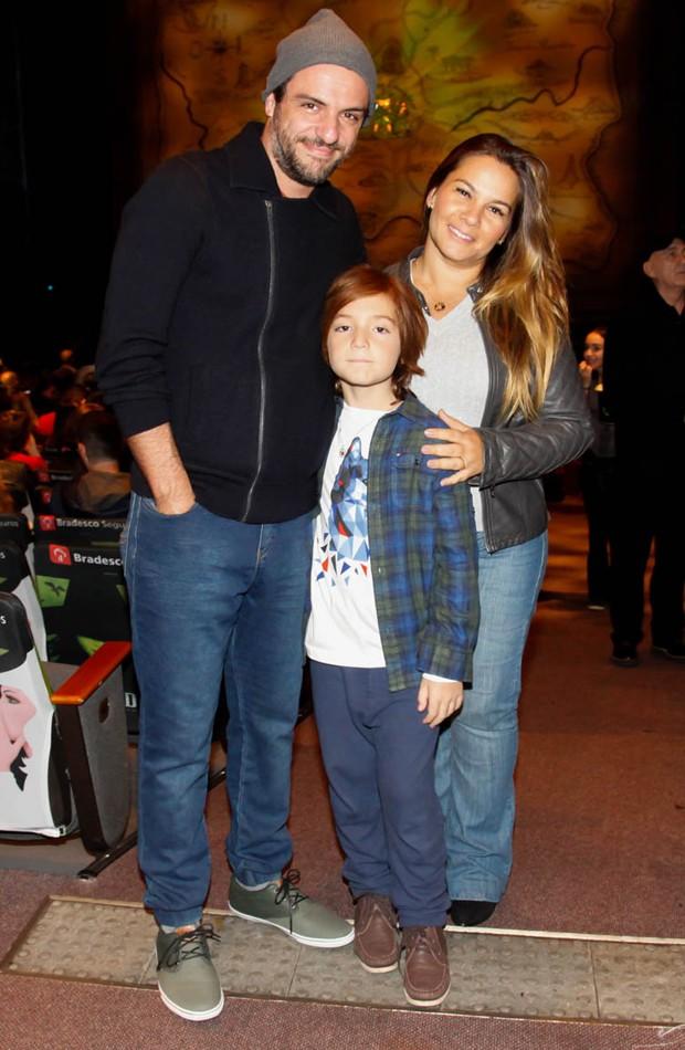 Rodrigo Lombardi, Betty Baumgarten e o filho, Rafael (Foto: Marcos Ribas/Brazil News)
