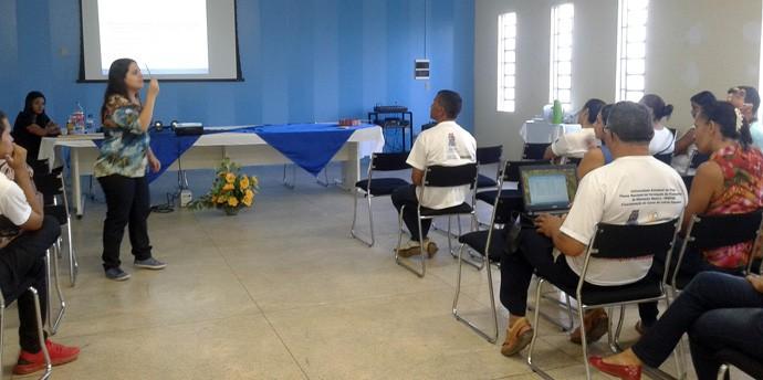 Rogéria Rodrigues formou-se em Pedagogia, tornou-se Mestre e pretende fazer Doutorado (Foto: Arquivo Pessoal)
