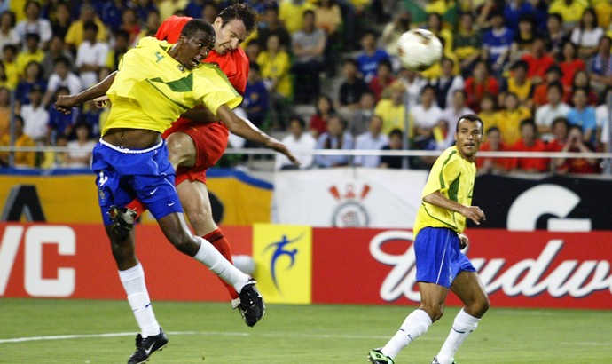 Wilmots gol Bélgica Brasil 2002 (Foto: Getty Images)