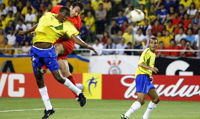 Wilmots gol Bélgica Brasil 2002 (Foto: Getty Images)