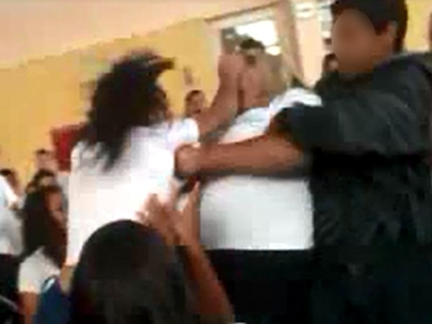 Brigas entre alunos em escolas de Paulínia (SP) (Foto: reprodução EPTV)