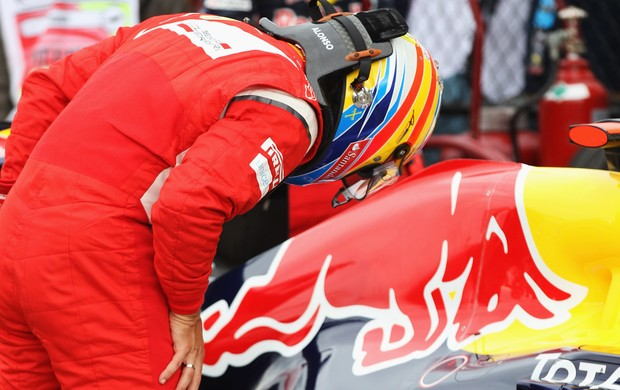 Alonso carro Red Bull (Foto: Getty Images)