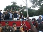 A festa dos campeões: Danilo Reis e Rafael ganham carreata e carinho de fãs