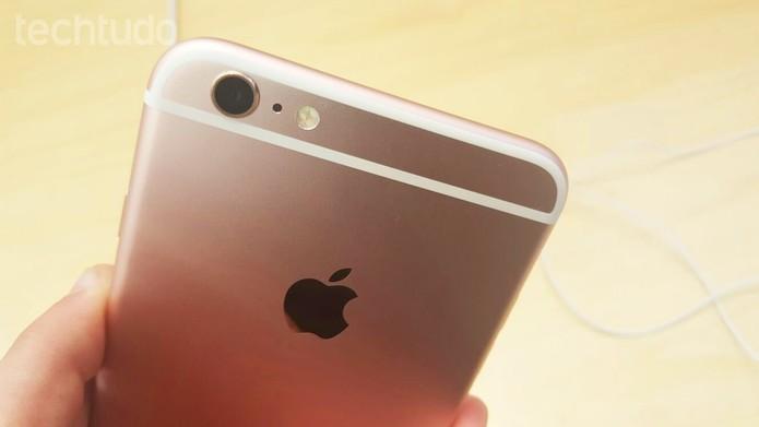 iPhone 6S tem bateria com menor potência do que a do Xperia Z5 (Foto: Thiago Lopes/TechTudo)
