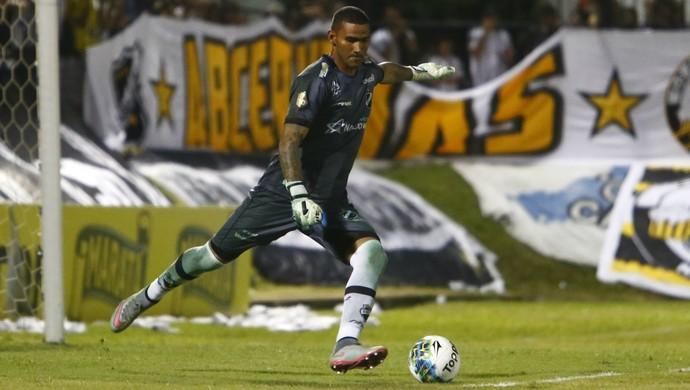 Edson - ABC x Botafogo-SP (Foto: Alexandre Lago/GloboEsporte.com)