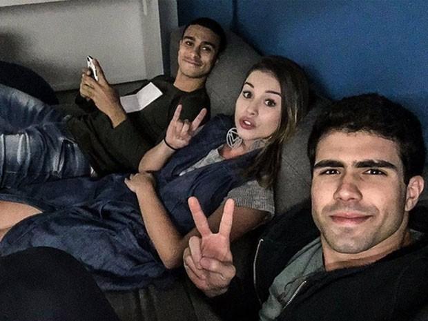 Sergio Malheiros, Laryssa Ayres e Juliano laham nos bastidores de Malhação (Foto: Instagram/ Reprodução)