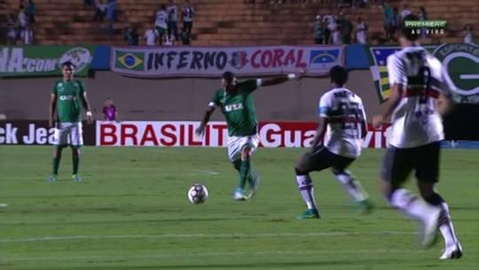 Carlos brilha, marca dois e garante vitória do Goiás sobre o Santa Cruz