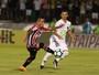 """Cueva culpa gramado por gol de bico do São Paulo: """"Chutei à la Romário"""""""