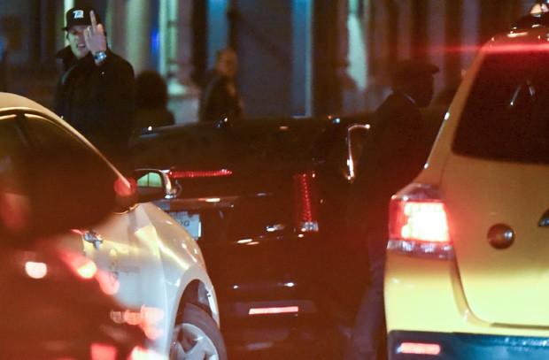 Tom Brady se irrita com motorista de táxi apressadinho (Foto: Grosby Group)