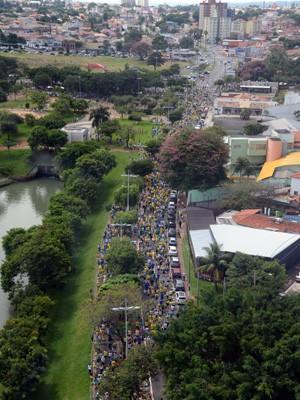Vista aérea de protesto contra o governo em Indaiatuba (Foto: Eliandro Figueira)