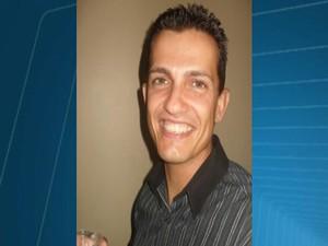 desaparecido Gilberto Castanheira Mendonça comerciante  funcionário da Secretaria de Desenvolvimento Econômico Divinópolis MG (Foto: Reprodução/TV Integração)