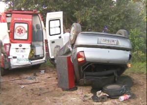 Acidente ocorreu na 'Curva da Morte', no Tarumã (Foto: Reprodução/TV AM)