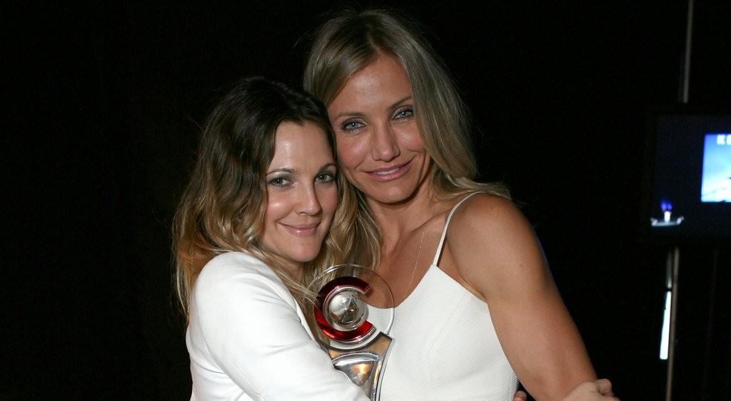 Drew Barrymore e Cameron Diaz foram madrinhas uma da outra (Foto: Divulgao)