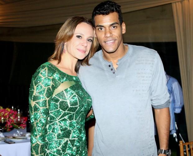 O campeão Marcello Melo Jr. posa com Vanessa Gerbelli (Foto: Francisco Freitas)