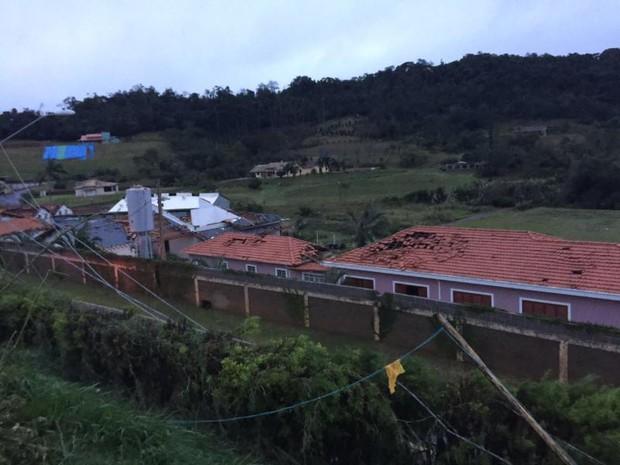 Casas foram danificadas durante chuva em São Roque  (Foto: Geovanne Danioti/Arquivo pessoal)