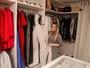 Naiara Azevedo abre closet e relembra troca de roupas após perda de peso
