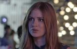 Eliza diz a Arthur que não vai conseguir beijar Henri Castelli