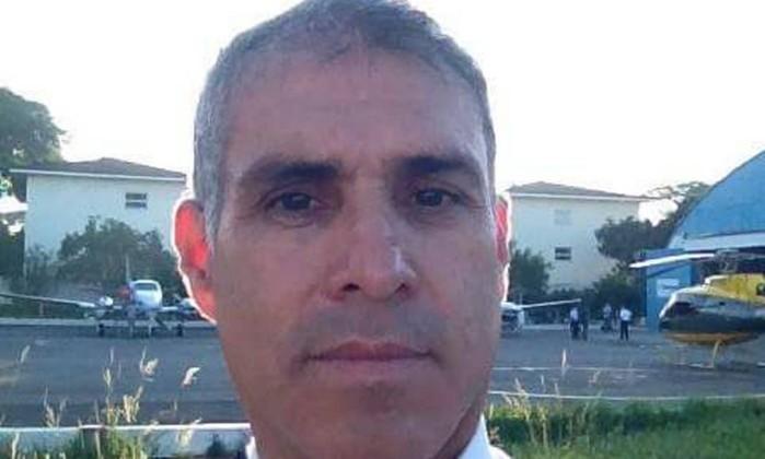 O piloto Osmar Rodrigues, de 56 anos. Ele morreu em acidente junto ao ministro Teori Zavascki (Foto: Reprodução/Facebook)