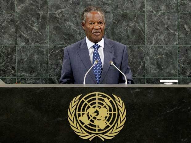 Presidente de Zâmbia, Michael Sata, em discurso na Assembleia Geral das Nações Unidas, em imagem de arquivo de setembro de 2013. (Foto: Arquivo / Justin Pista / Pool / Reuters)