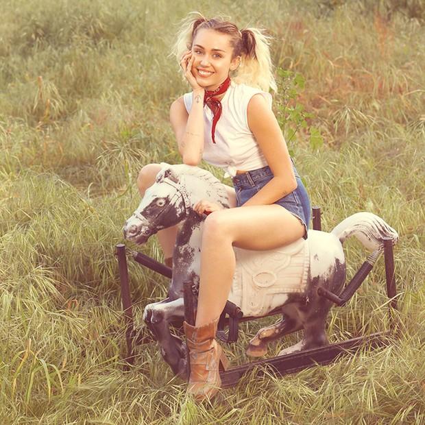 Miley Cyrus na revista Billboard (Foto: Reprodução)