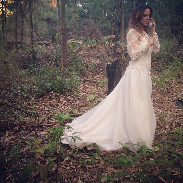 """Vanessa Gerbelli posa de vestido de noiva e diz: """"Surpresa"""" - Você ..."""