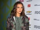 Bruna Marquezine vence batalha de looks do primeiro dia de Lollapalooza
