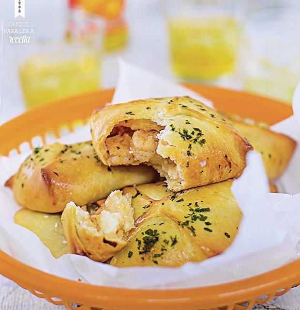 Pacotinhos de camarão, petisco irresistível (Foto: Rogério Voltan/Editora Globo)