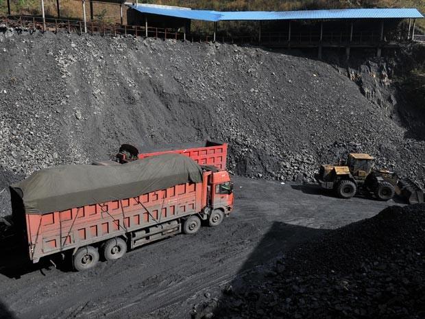 Mina de carvão na província de Yunnan (Foto: Huang Xingneng/Imagechina/AFP)