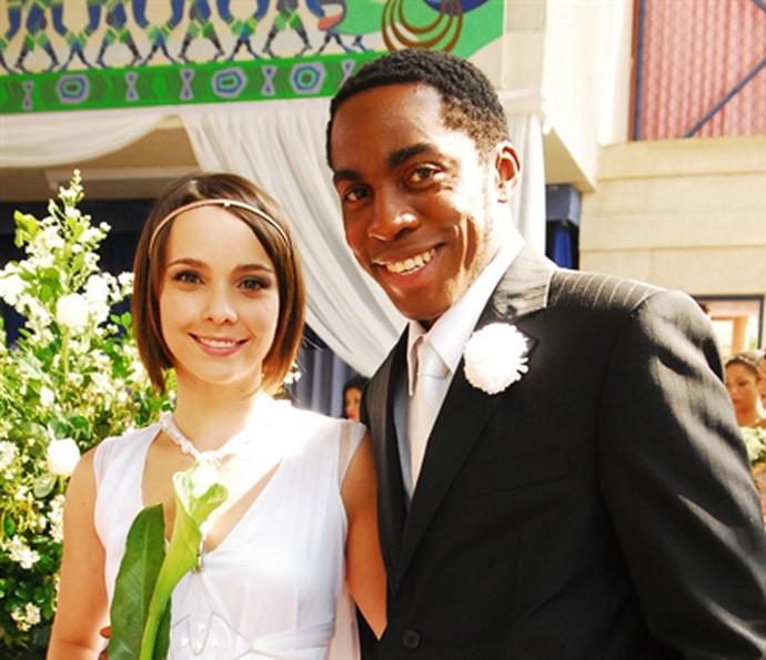 Em Duas caras, Débora falabella foi par de Lázaro Ramos (Foto: TV Globo)