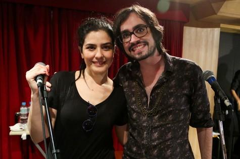 Leticia Sabatella com Johnny Hooker (Foto: Roberto Filho)