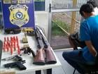 Homens são presos transportando armas em ônibus na BR-116