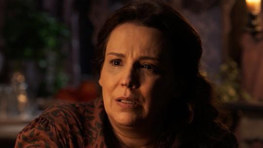Emília fica fora de si, após sumiço de Bernardo