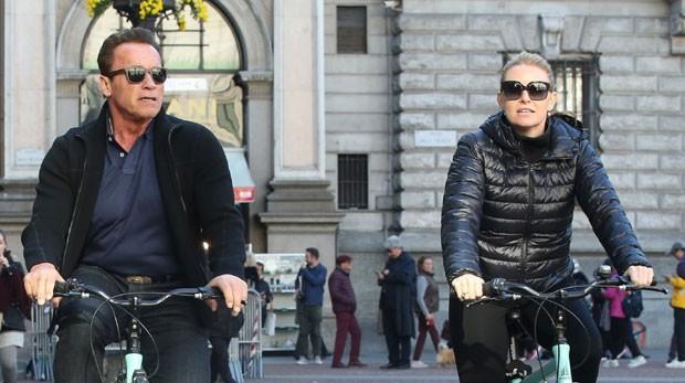 Arnold Schwarzenegger e a namorada, Heather Milligan (Foto: Backgrid)