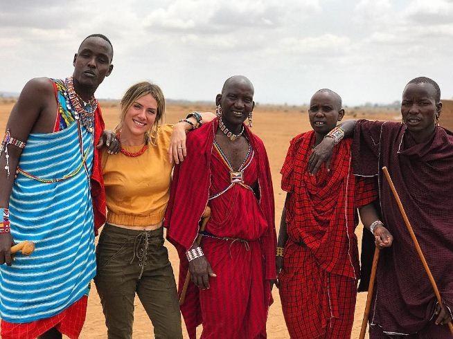 Gio Ewbank visita aldeia dos Maasai durante viagem a Nairóbi (Foto: Reprodução/Instagram)