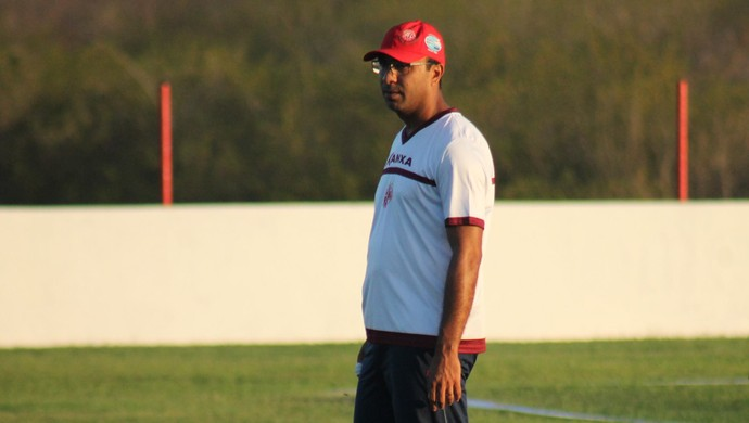 Felipe Surian técnico do América-Rn (Foto: Canindé Pereira/Divulgação)