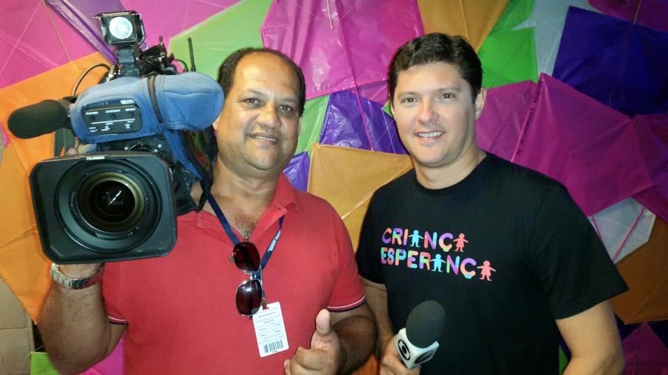 Jony Torres e Edmilson Gomes foram registrar os bastidores do Criança Esperança (Foto: Divulgação)
