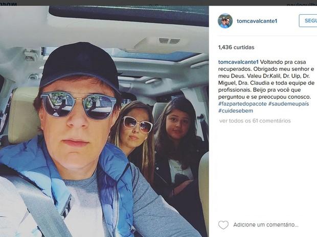 Tom Cavalcanti postou no Instagram comemorando a ida para casa com a mulher e a filha (Foto: Reprodução/Instagram/Tom Cavalcante)