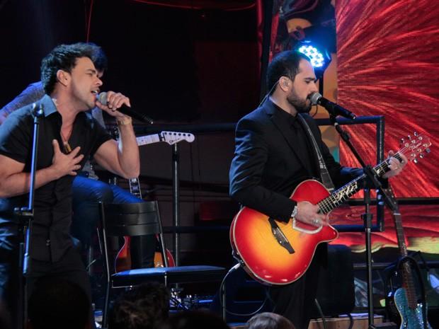 Zezé Di Camargo & Luciano participam do programa do Altas Horas (Foto: Marcos Mazini/Gshow)