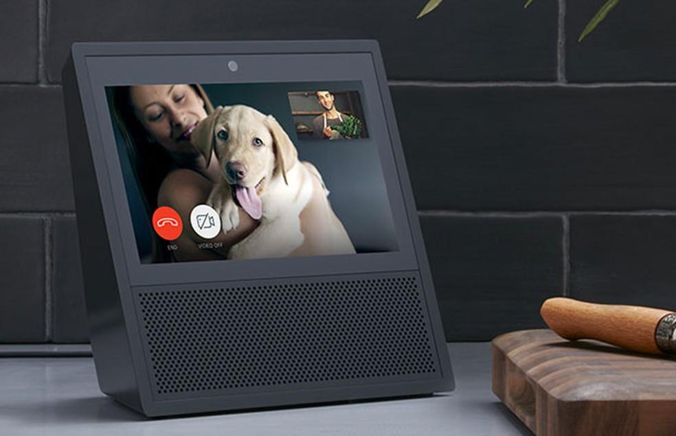 Echo Show, novo dispositivo que funciona com a assistente pessoal Alexa, da Amazon.  (Foto: Divulgação/Amazon)