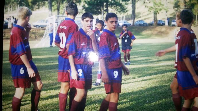 Rômulo, quando adolescente, treinando na base do Caxias (Foto: Arquivo pessoal)