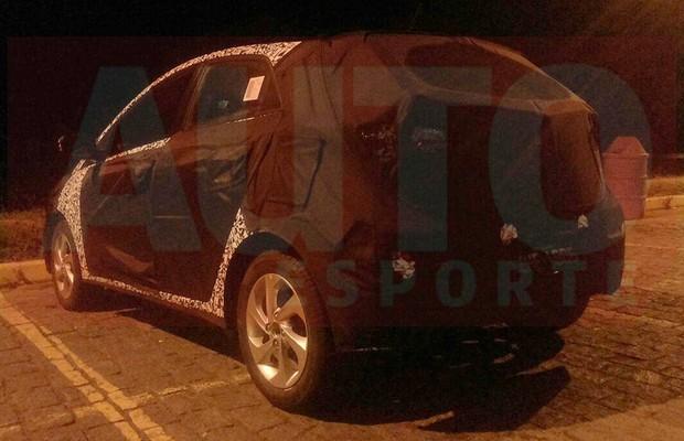 Flagra do Hyundai HB20 reestilizado feito pelo leitor Willian Caminha Fonseca (Foto: Willian Caminha Fonseca)