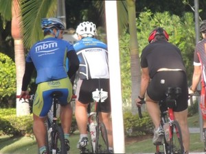 Atletas irão percorrer 3,8 km de natação, 180,2 km de ciclismo e 42,2 km de corrida (Foto: Marcelo Silva/ Globo Esporte)