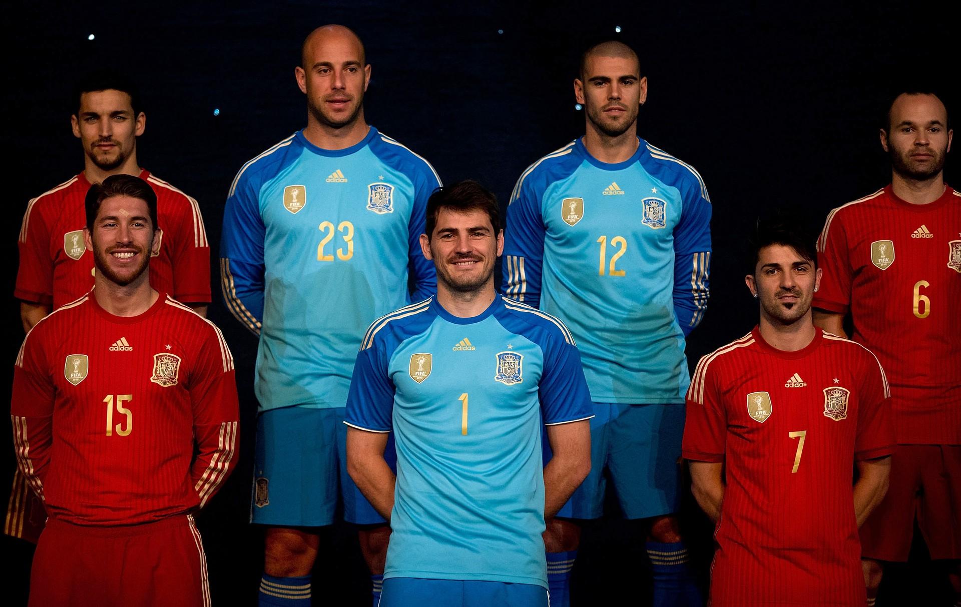 f131cf73f4 Seleção espanhola vestirá uniforme todo vermelho na Copa (Foto  Getty ...